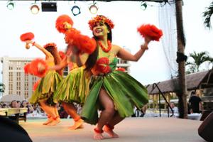 ヒルトン・ハワイアン・ビレッジで楽しめるハワイの宴★ワイキキ・スターライト・ルアウ