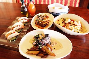 南国の雰囲気たっぷり「フラ・グリル」のディナーと、ホノルルの夜景を満喫!ディナー&シティー・ライト・タンタラス フラ・グリル